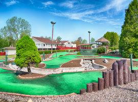 mini golf at Byrncliff Golf Resort near Buffalo NY