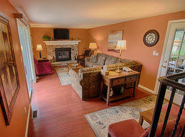 The Maple Lodge living room at Byrncliff Golf Resort & Banquets