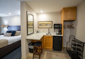 Kitchenette in King Suite Room at Byrncliff Golf Resort & Banquets